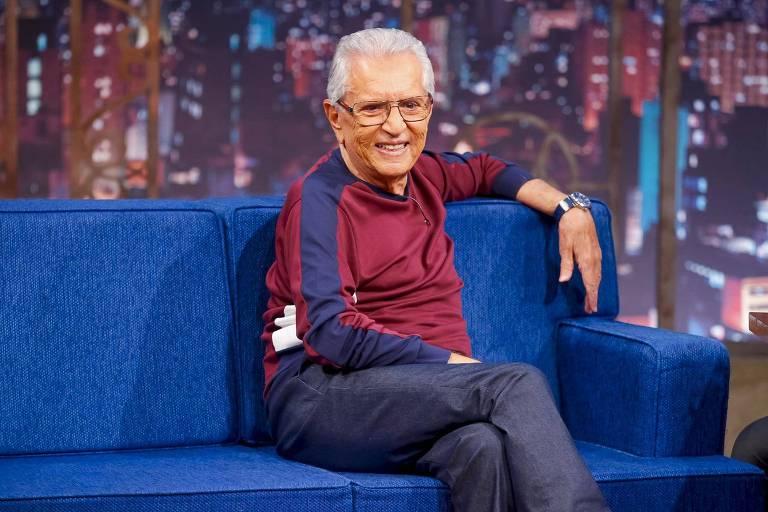 O apresentador da A Praça é Nossa, Carlos Alberto de Nóbrega, recebeu ultimato do SBT (Foto: Reprodução)